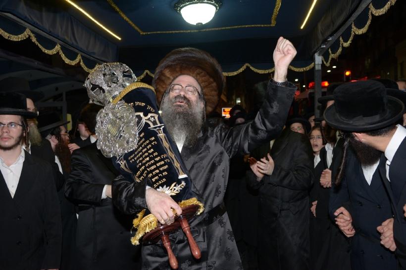 resized_הכנסת ס''ת צילם משה גולדשטיין (6)