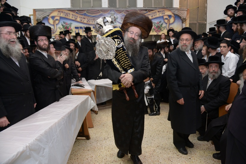 resized_הכנסת ס''ת צילם משה גולדשטיין (8)