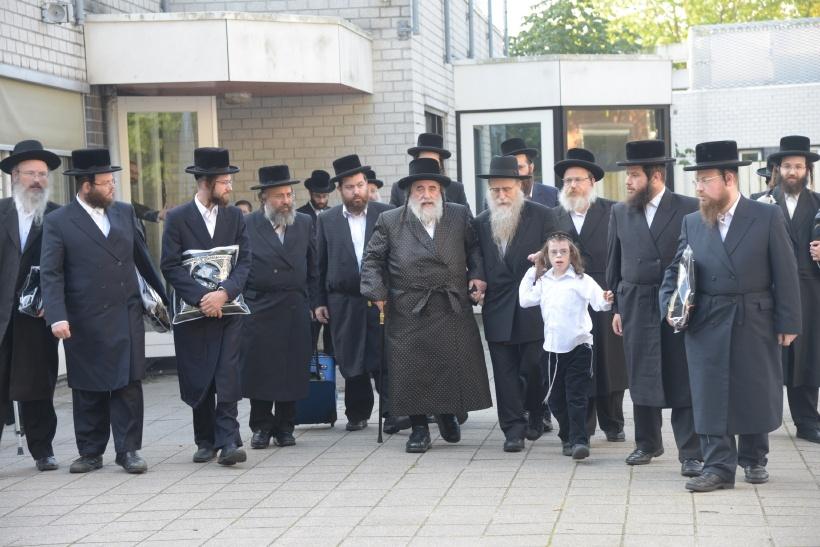 resized_האדמו''ר מויז'ניץ אדמו''ר מויזניץ באמסטרדם צילם משה גולדשטיין (12)