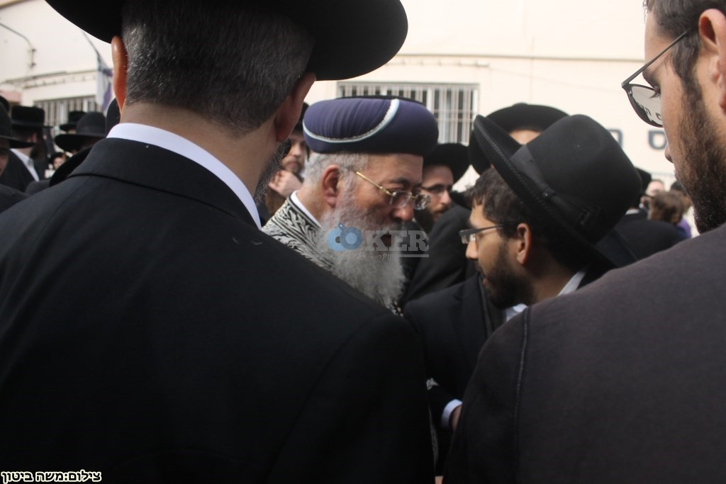 הלוויה הרב שלוש חיפה (12)
