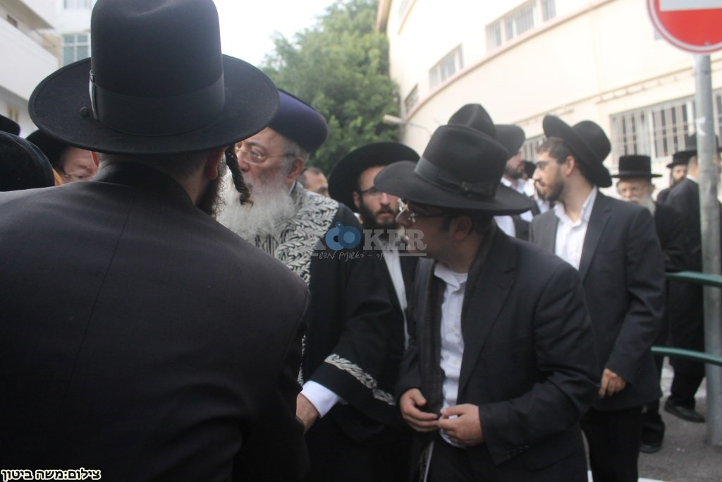 הלוויה הרב שלוש חיפה (13)