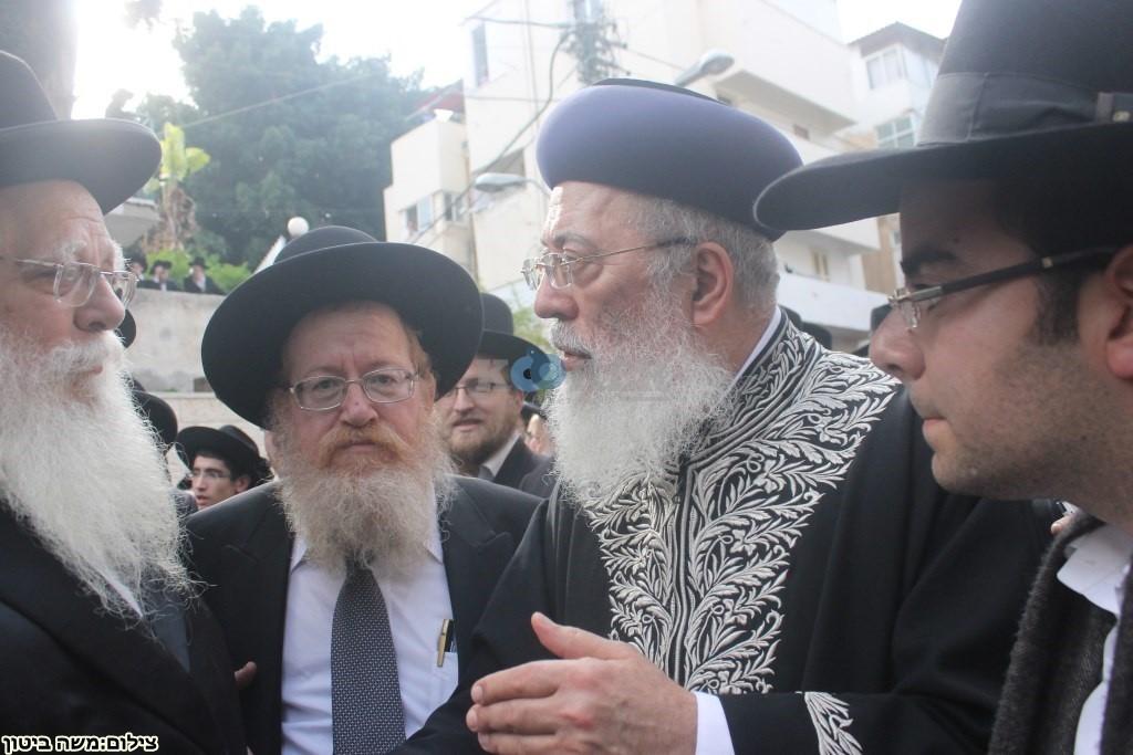 הלוויה הרב שלוש חיפה (15)