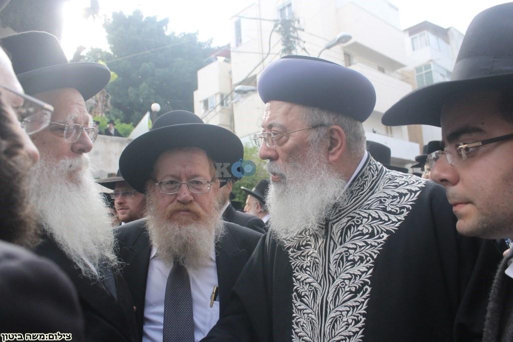 הלוויה הרב שלוש חיפה (16)