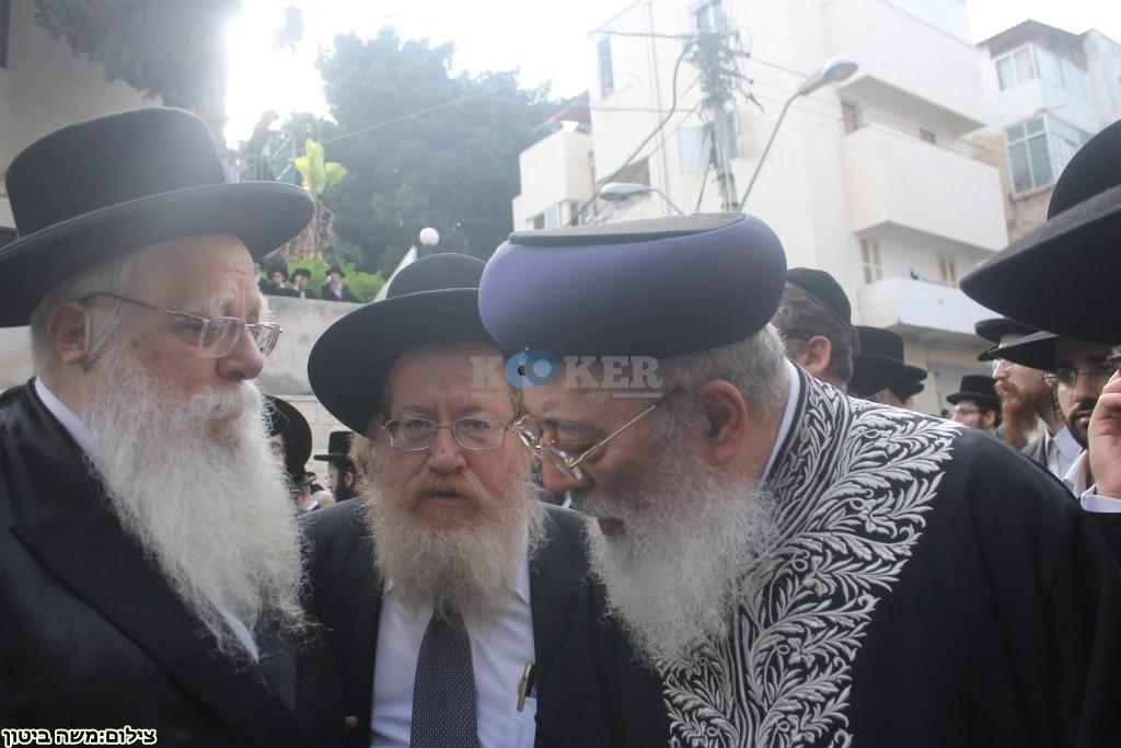 הלוויה הרב שלוש חיפה (17)