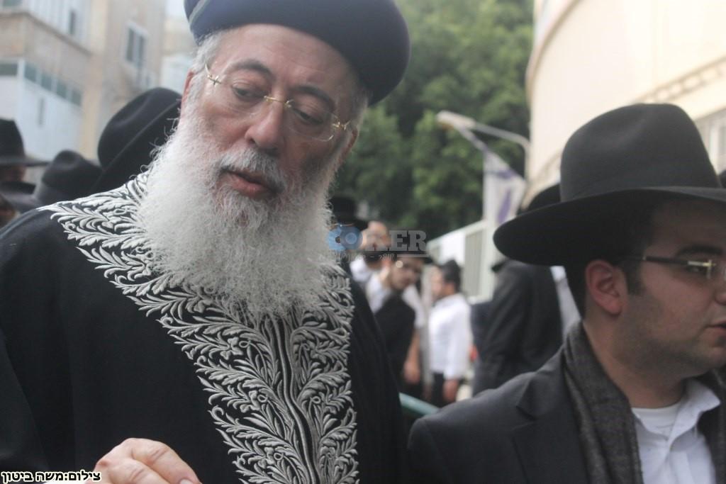 הלוויה הרב שלוש חיפה (24)