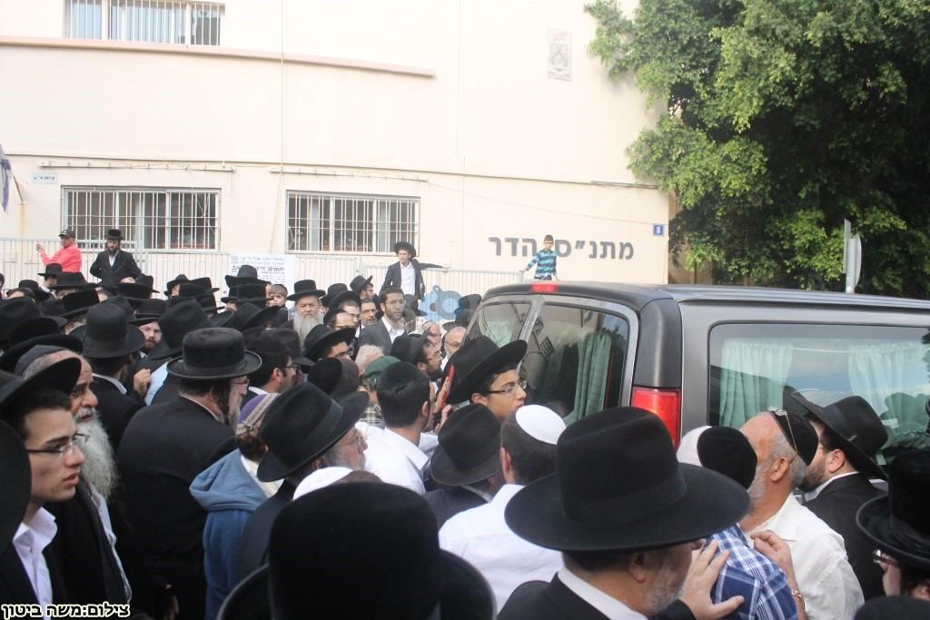 הלוויה הרב שלוש חיפה (6)