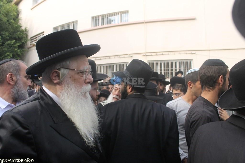 הלוויה הרב שלוש חיפה (9)