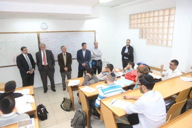 דן שפירו, שגריר ארהב, מכון לב, סטודנטים, צילום יחצ (4)