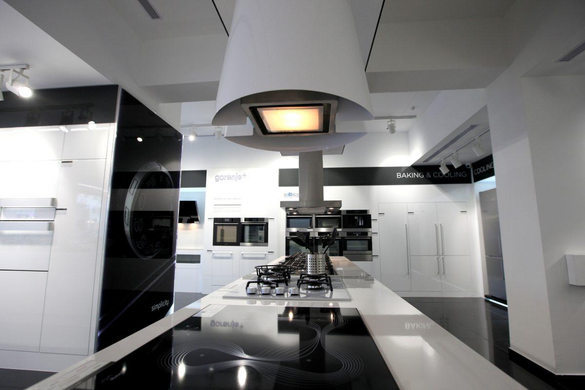 מוצרי חשמל למטבח- תנור, , מקרר, כיריים (4)צילום יחצ
