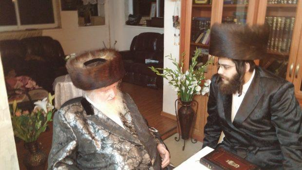 ראש העיר הרב ישראל פרוש בביקור באכסניה