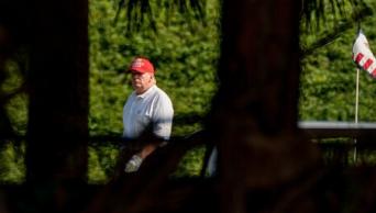 טראמפ באחוזת מאר א-לאגו // צילום: אי.פי